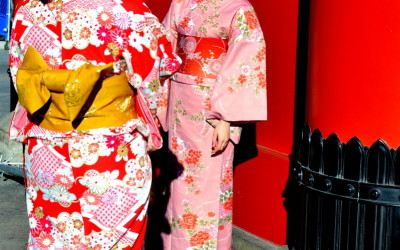 14 - Japan. Tokyo. Girls in traditional dresses